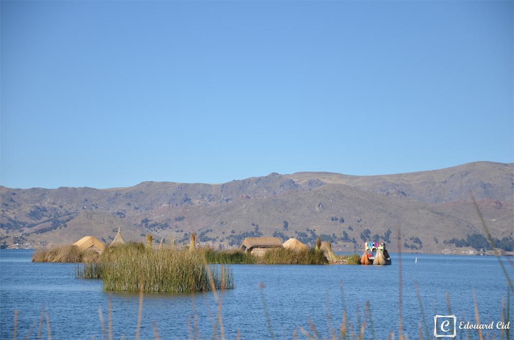 Une île construite par les Uros