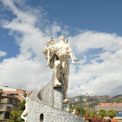 Statue d'ange à Huaraz