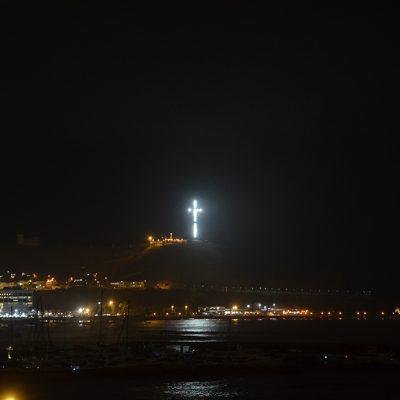 Croix Catholique au bord de l'océan