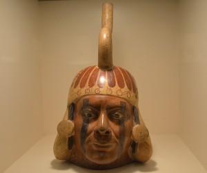 Vase en bois Mochica